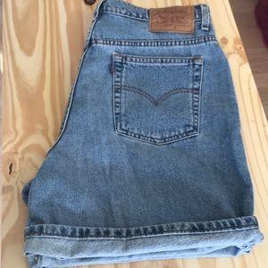Women's Levi Jean Shorts Size 16